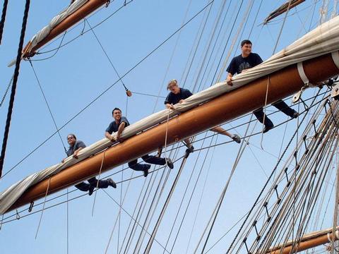 Schiffsbeschreibung - Weiße Nächte in der Ostsee